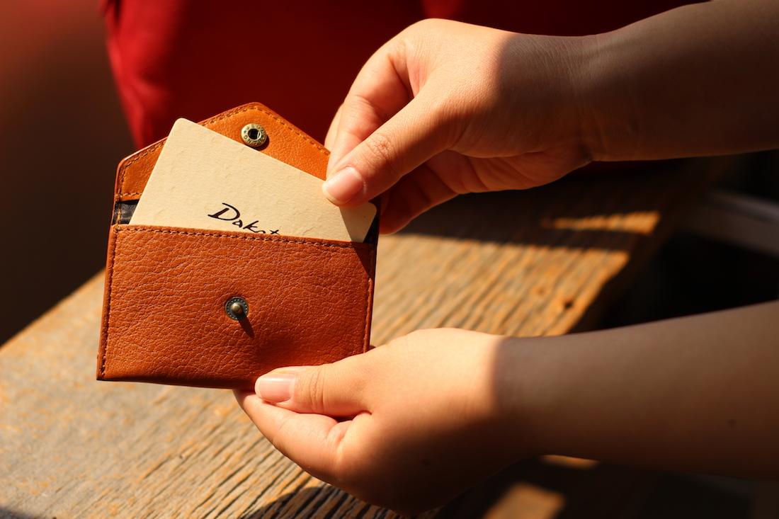 ダコタオリジナルカードケースプレゼント2